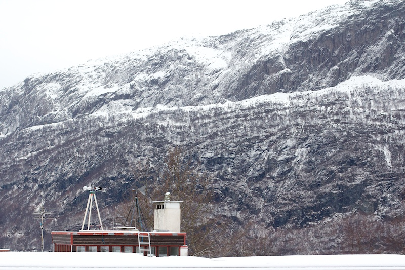 "The  ""Intercontinental"" Wind Drawing Machine installed at the Nordic Artists' Centre, Norway"